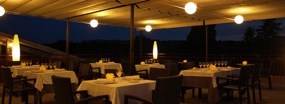 Consulta els horaris del Restaurant Idoni de Vic i gaudeix de la nostra terrassa especial
